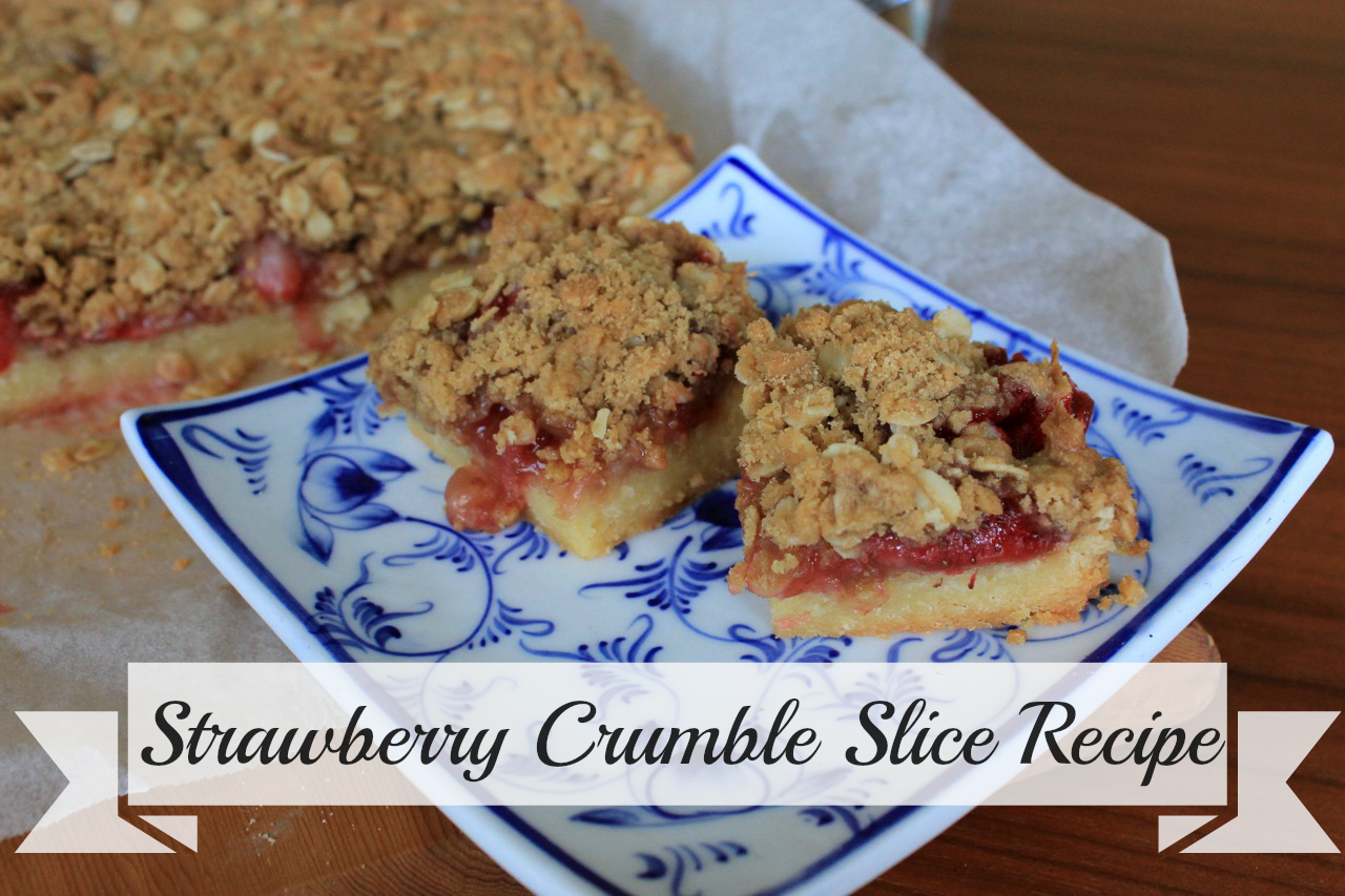 strawberry-crumble-slice-life-on-wallace